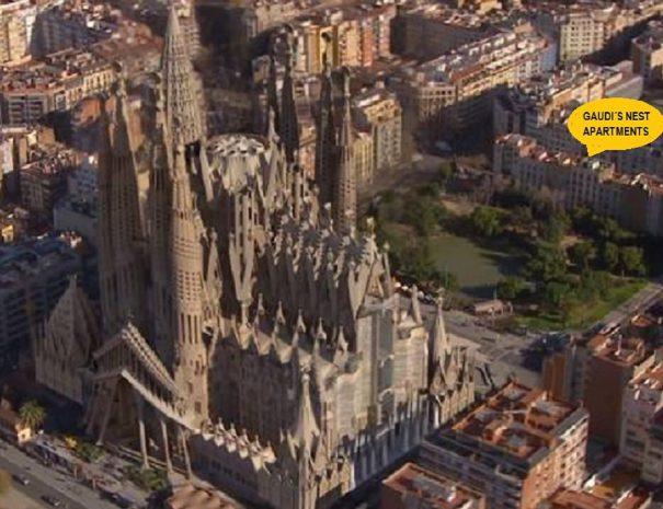 Vista Entera Terraza Gaudi's Nest